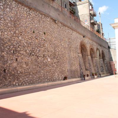 Palestra d'arrampicata muro romano